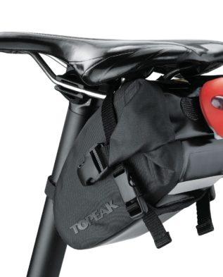 подсёдельная сумка с креплением на ремнях
